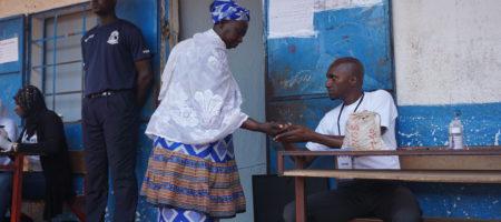 Gambia vota su parlamento tras la caída de Jammeh